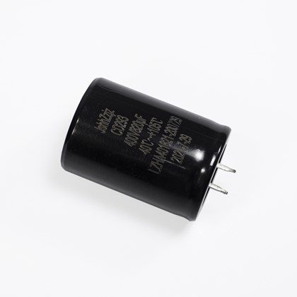 Capacitor eletrolitico 820uf x 400v 30mm x 55mm 105°c pró euro